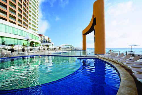 Beach Palace Hotel in Cancun