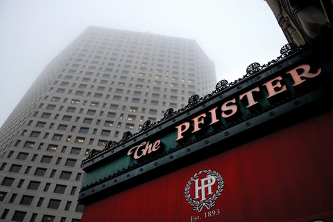 Photo of exterior of Pfister Hotel in Milwaukee, Wisconsin