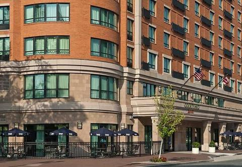 Photo of exterior of Courtyard by Marriott Washington Capitol Hill/Navy Yard in Washington, DC