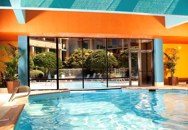Photo of pool at Atlanta Marriott Northwest Galleria