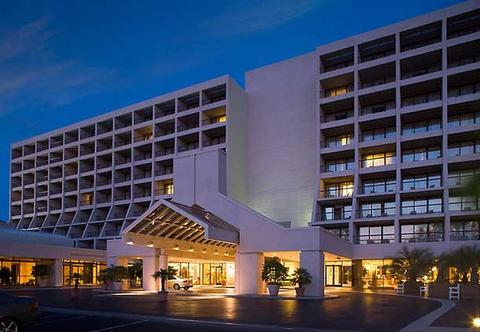 Photo of exterior of Hilton Head Marriott Resort and Spa