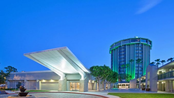 Exterior view of the Holiday Inn Long Beach Airport Hotel and Conference Center