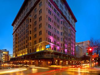 Street view of the Sheraton Gunter Hotel San Antonio